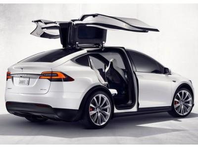 Tesla Motors розсекретила свій перший серійний електричний кросовер Model X!